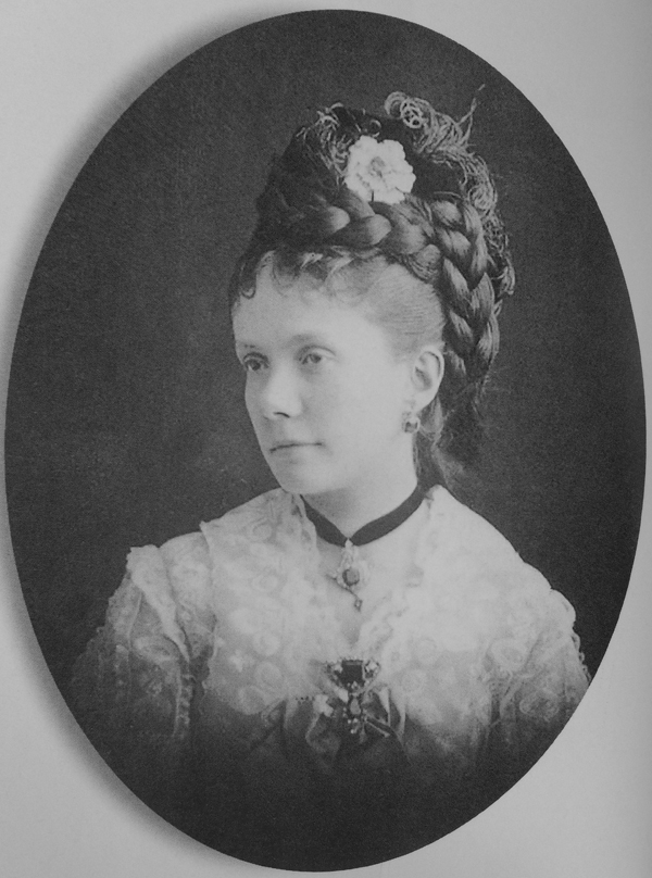 Infanta_Isabella_of_Spain_(1851–1931)s.jpg